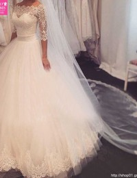 China Online Store A-Line 3/4 Sleeve Wedding Dresses Vintage Wedding Gowns Floor Length White New Design Bridal Gowns W122426