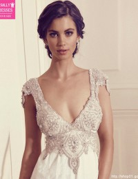 Romantic A-Line Lace Wedding Dress 2016 Deep V-Neck Sexy Beading Vintage Wedding Dress Wedding Gowns Vestido De Noiva W02245